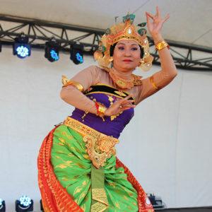 Selendang Sutra Dance Troupe
